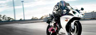 Yamaha Yzf R1 Cover Photo